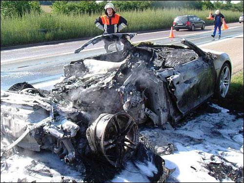 Dweller - Un week-end en Sea-Dweller 20070909b_Audi_R8_crash