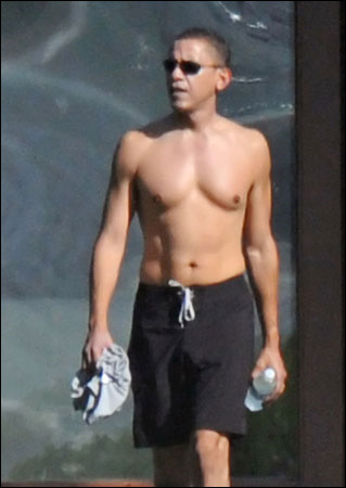 http://blog.kornemuz.com/images/200812/20081223a_barack_obama_topless.jpg